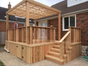 backyard deck with build in pergola - Custom Decks
